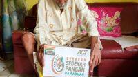 ACT Lampung bersama MT Al Ikhlas Babussalam bagikan Paket Sembako Untuk Lansia dan Pasien Sakit