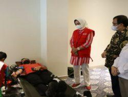 Ketua PMI Lampung Riana Sari Arinal Tinjau Kegiatan Donor Darah di Swiss-belhotel